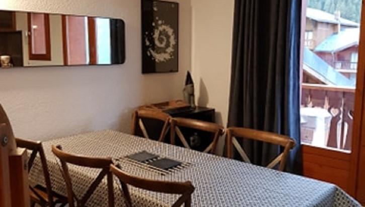 table relok3.jpg