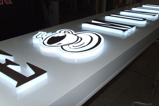 LED Leuchtkasten aus Aludibon
