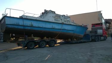Transport jachtu. (wymiary ładunku: 14,87 x 3,79 x 4,25m waga: 14,8t)