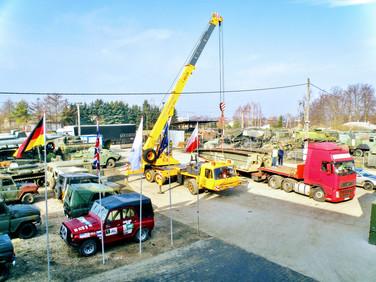Transport mostu czołgowego. (wymiary ładunku: 10,30 x 3,40 x 1,50m waga: 12,0t)