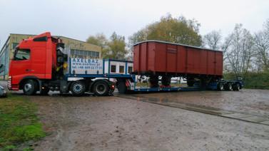 Transport zabytkowego wagonu. (wymiary ładunku: 10,47 x 2,83 x 3,57m waga: 14,2t)