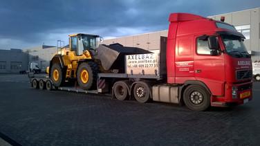 Transport ładowarki kołowej VOLVO L150 (wymiary ładunku: 8,80 x 2,96 x 3,57m waga: 25,2t)