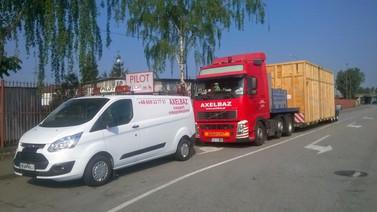 Transport skrzyni drewnianej (wymiary ładunku: 8,70 x 3,30 x 3,60m waga: 15,0t)