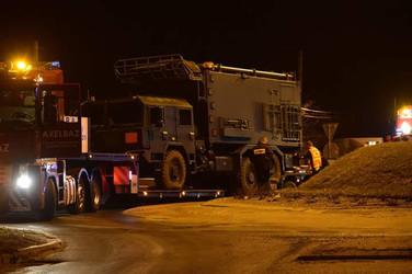 Transport pojazdu ciężarowego JELCZ. (wymiary ładunku: 10,20 x 2,55 x 4,05m waga: 34,5t)