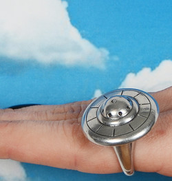 UFO ring spinning mechanical ring