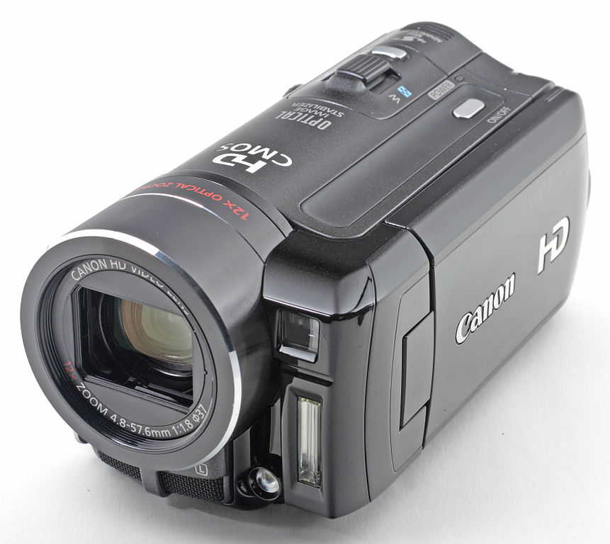 Canon_HF10_front