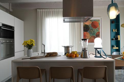 NUT table lamp by Andrea Castrignano
