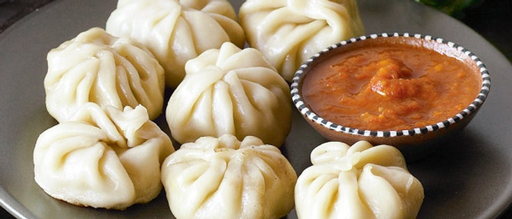 Momos (Ready to cook)(Net weight 1kg)