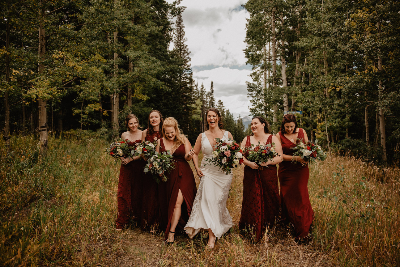 Bridal picture at Umbrella Bar in Crested Butte