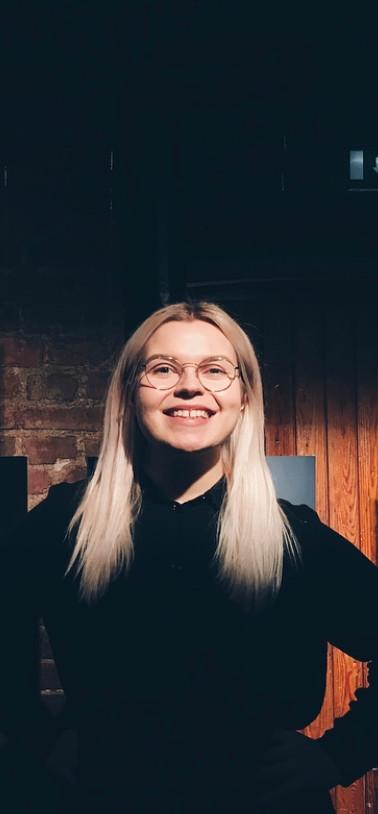 Sanataiteilija Elisa Luukkainen