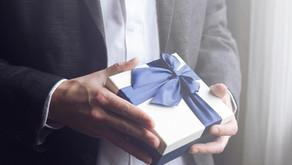 10 Best Birthday Christian Gifts for Men in 2021