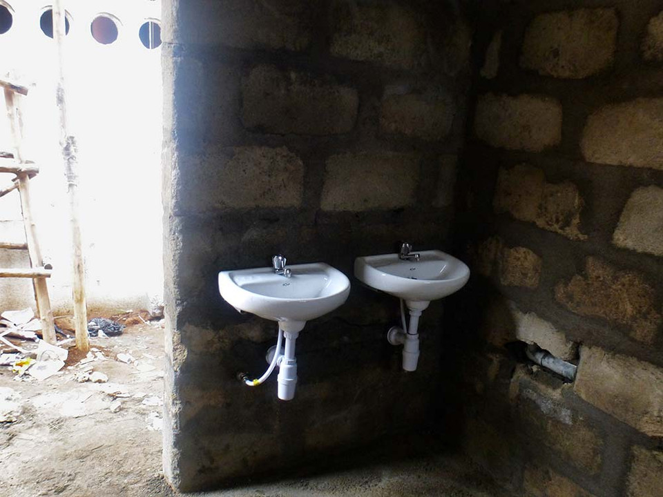 Pandembe Project Africa 2013 03 - 02.jpg