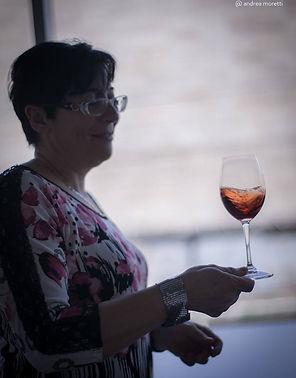 Tiziana-con-bicchiere.jpg