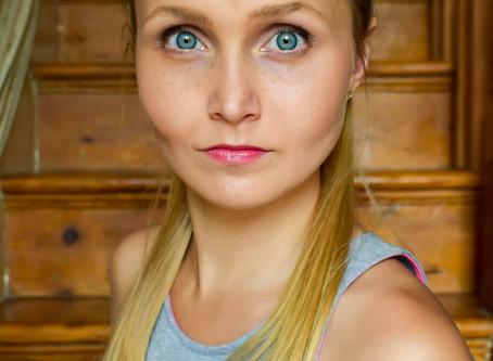 Actor Headshot Ewelina Niedzwiedz