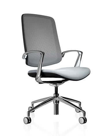 Trinetic Chair - Black Frame with Chrome 4 Star Castors