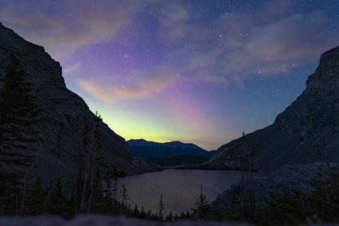 Carnavon Lake with Aurora