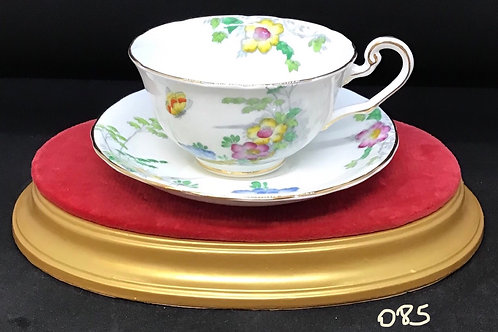 Victoria C&E Bone China Tea Cup and Saucer 221 (085)