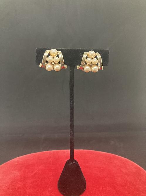 Clip-on Earrings  (CE026)