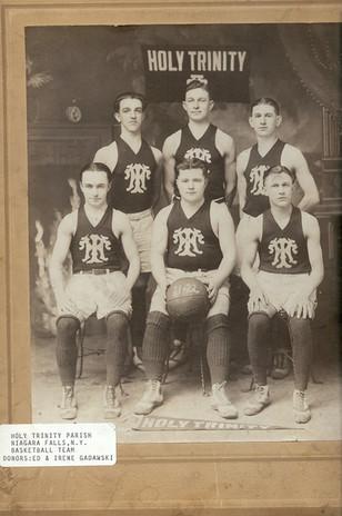 HT Basketball Team 1921-22