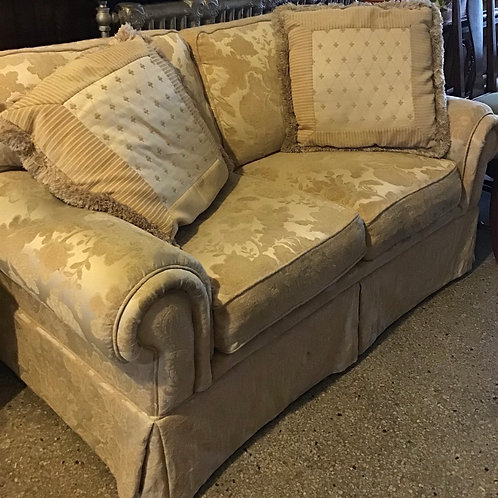 Loveseat: Ivory with two pillows