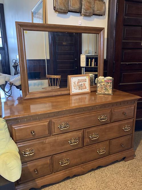Dresser (F578)
