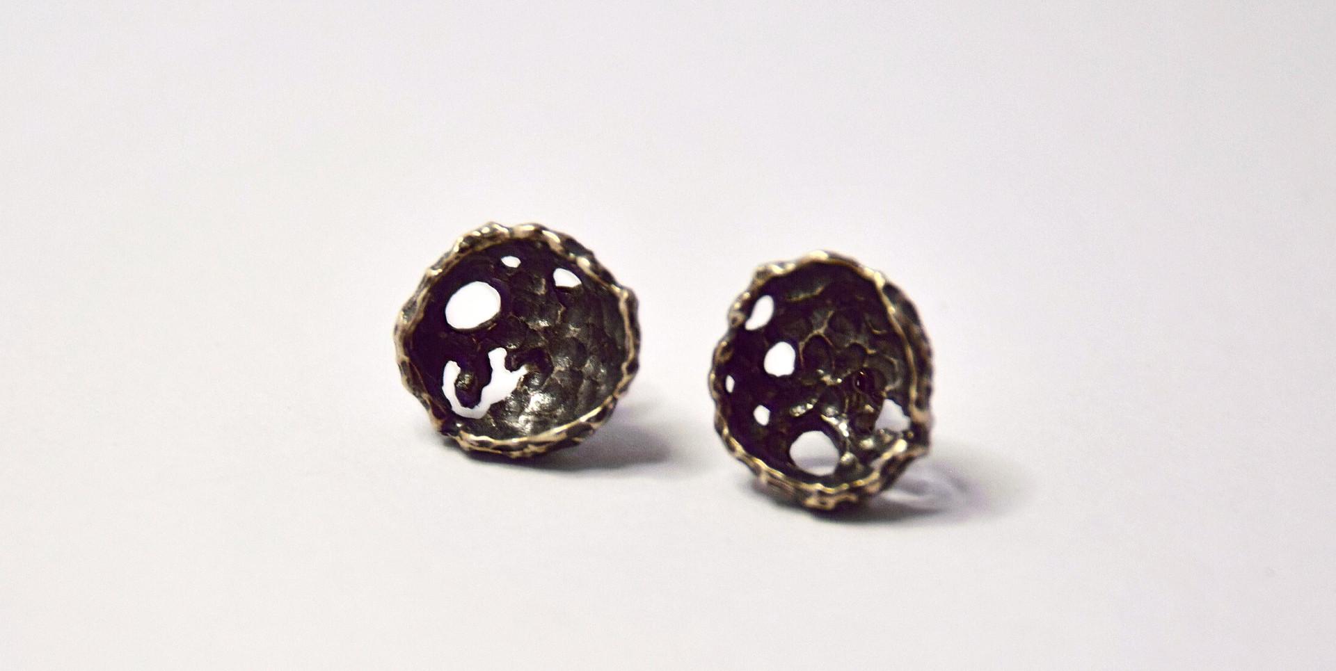 porifera oxidised stud earrings