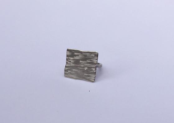flat tectonic ring