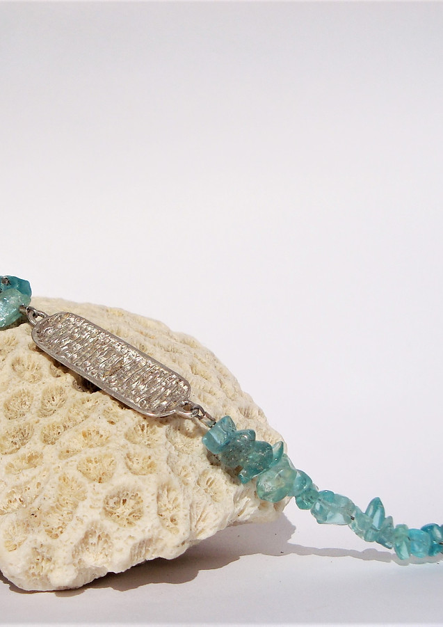 ovires identity bracelet with apatite