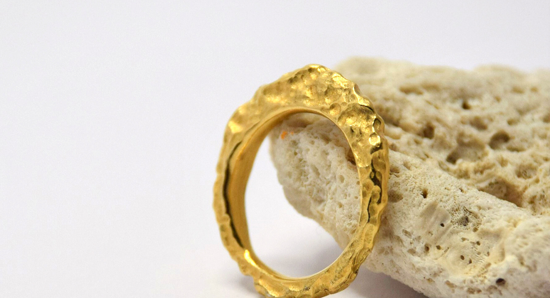 rock slice gold plated ring