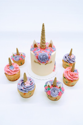 Unicorn Cake with Cupcakes