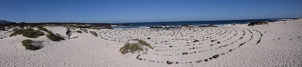 Spiral in Lanzarote für Rituale. Schamanische Rauhzeit Retreat mit Maha Metta und Geoviva in Dezember