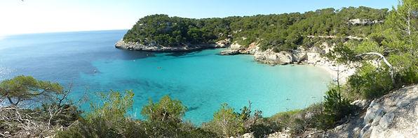 Cala Mitjana. Menorca.Viajes espirituales con Maha Metta