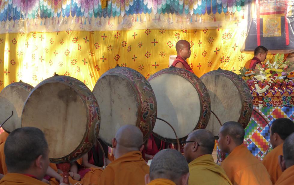 Tibetische Puja in Bodhgaya, Indien