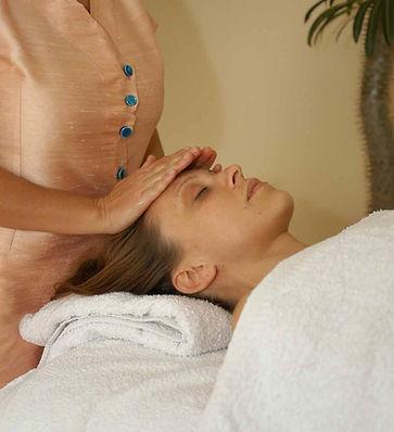 Wellness Massagen und Behandlungen mit May in München