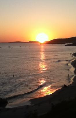 Atardecer en Menorca. Seminario de desarrollo psíquico. Viaje Espiritual con la Academia Maha Metta
