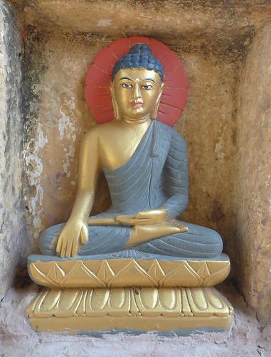 Estatua de Buda en Bodhgaya. Taller de meditación budista con Mahametta Akademie