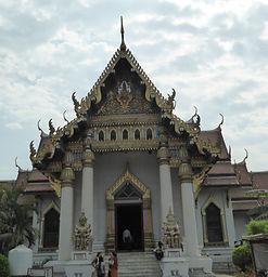 Kloster von Thailand in Bodhgaya, Indien. Spirituelle Reisen mit MahaMetta