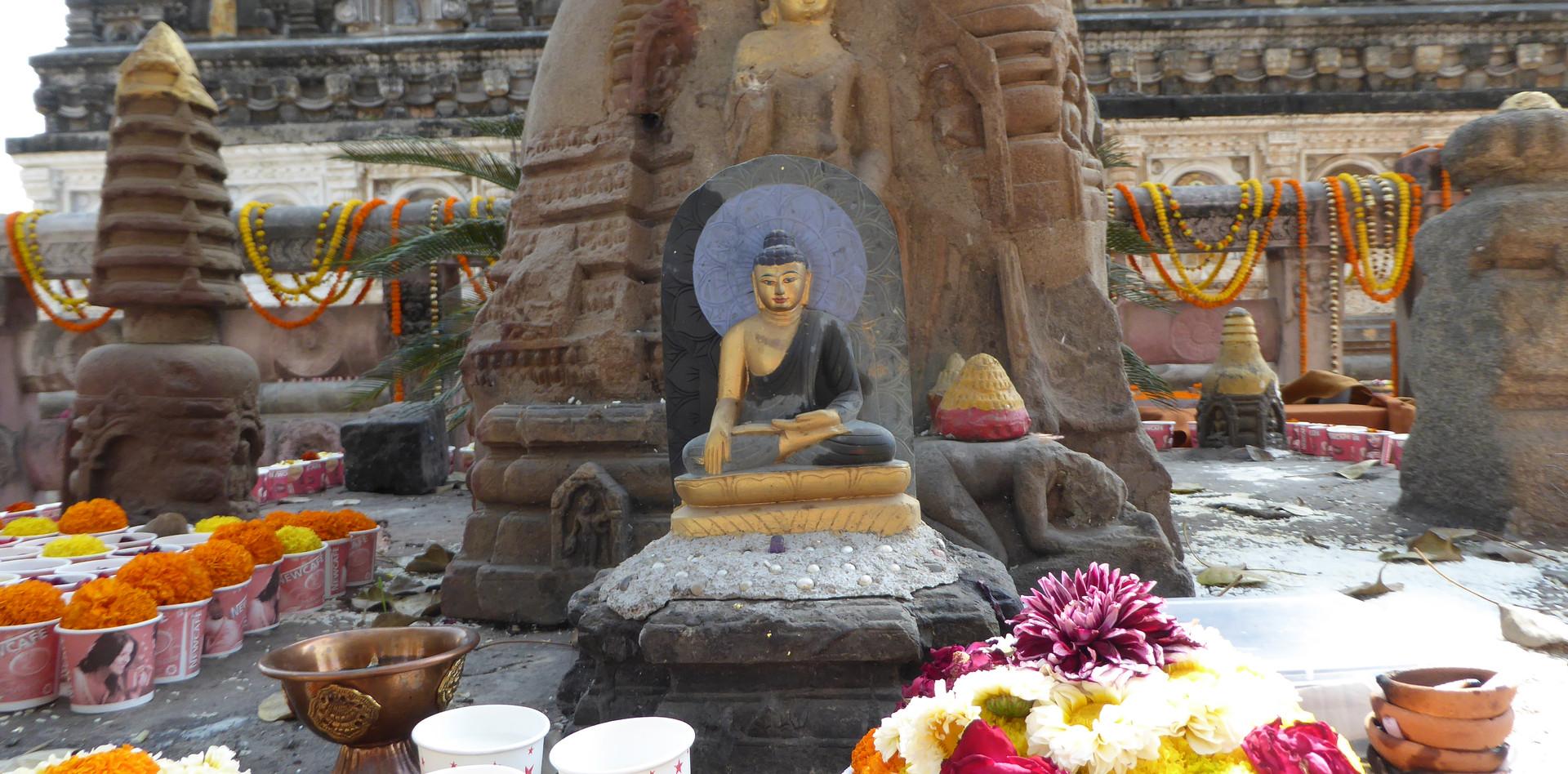 Gabe für Buddha in Bodhgaya