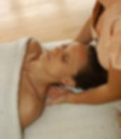 Mahametta Behandlung. Wellness Massagen und Behandlungen mit May in München