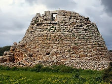 Talayot en Menorca. Viajes Espirituales con Maha Metta