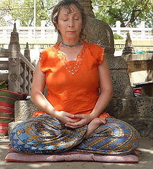 Meditating in Bodhgaya, India.Workshop about Buddhist Meditation with Mahametta Akademie