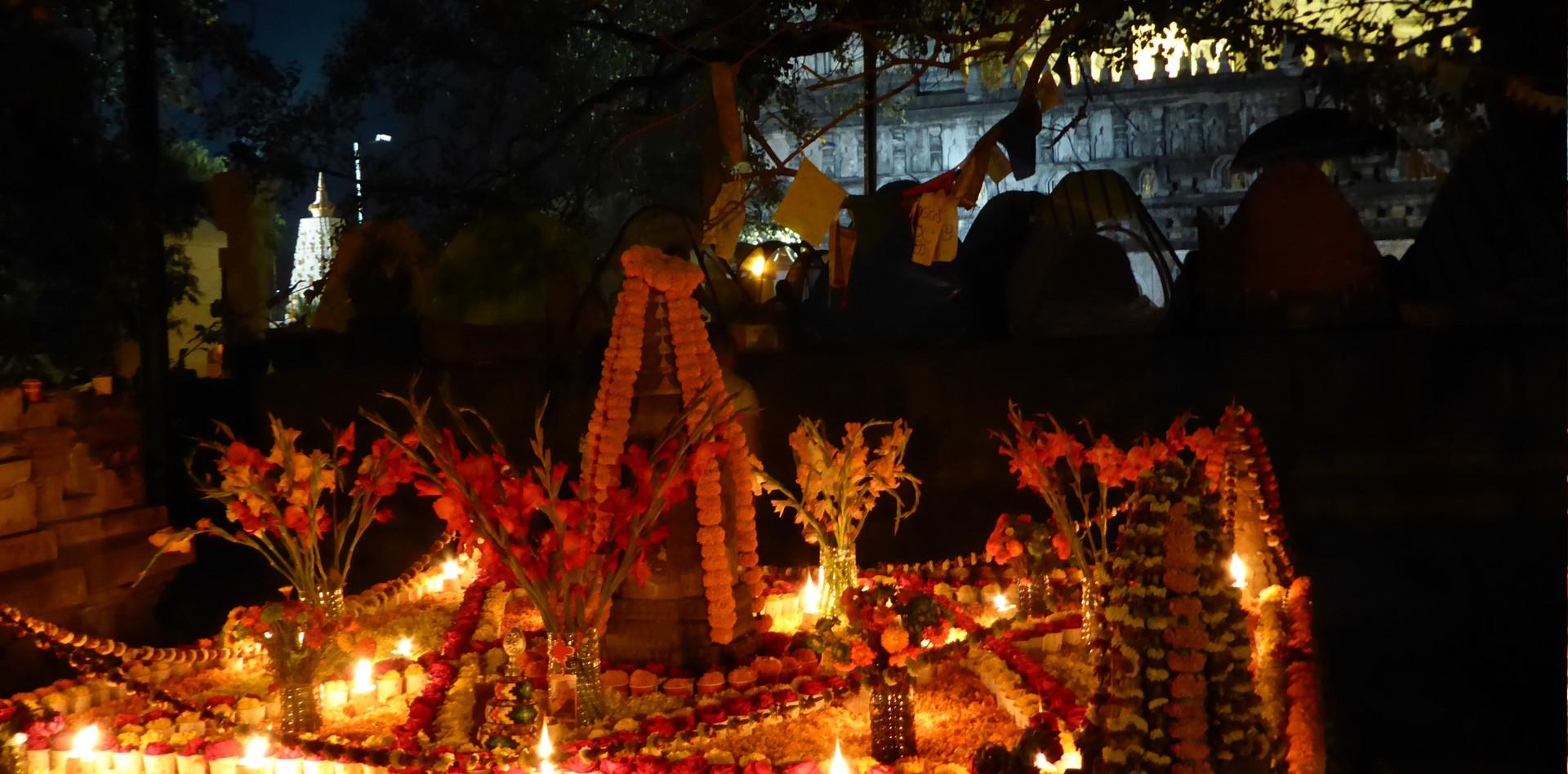 Bodhgaya in der Nacht