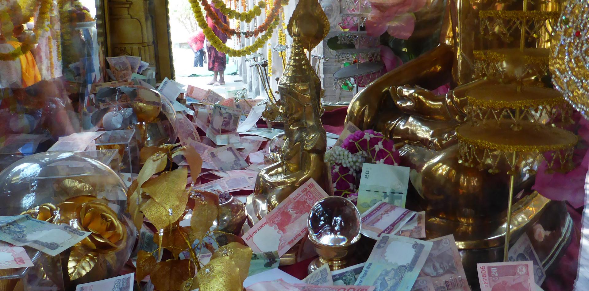 Donations to Buddha