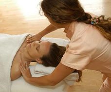 Manual Lymph Drainage Massage. Wellness Massage and treatments with May in Munich