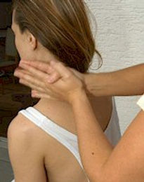 Ayurvedic Indian Head Massage. Wellnes Massage and treatments with May in Munich
