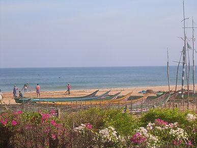Strand am Stadtrand von Auroville. Spirituelle Reisen MahaMetta