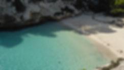 Cala Macarelleta in Menorca. Strand zu geniessen in unsere Pause von der Pychische Entwicklung Seminar. Spirituelle Reisen mit Maha Metta