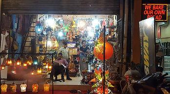 Paharganj Main bazaar in New Delhi, Indien. Tourist market. Mahametta Reisen