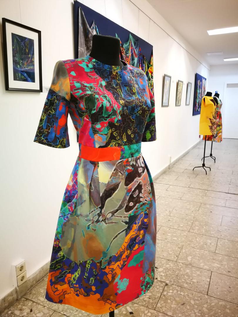 Авторское платье из хлопка. Рисунок-принт