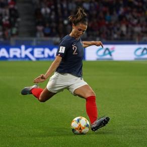 [PORTRAIT] A Paris comme en Bleue, Eve Perisset tutoie les sommets du football mondial